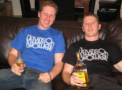 Lachlan & Hamish chillin' in the best t-shirts
